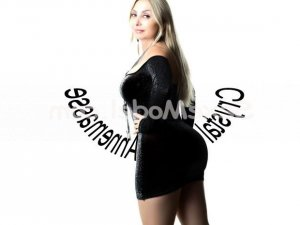 Adjoa rencontre libertine escorte girl